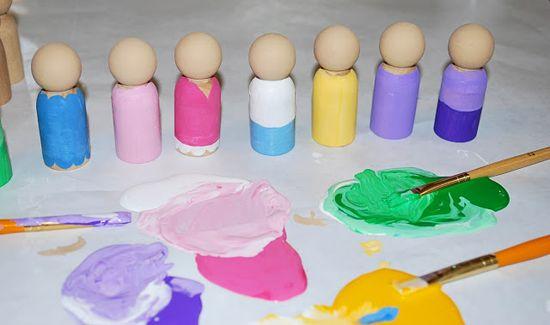 Handmade Gift Idea: Peg Dolls