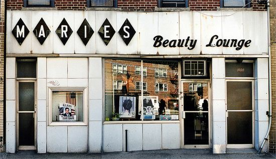 Store Front: The Disappearing Face of New York by James and Karla Murray