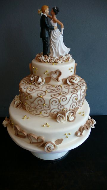 Sophisticated Classic Wedding Cake by CAKE Amsterdam - Cakes by ZOBOT, via Flickr