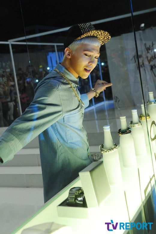 "G-Dragon (Kwon Ji Yong ) ? #BIGBANG - shoots MV for ""Who You"""