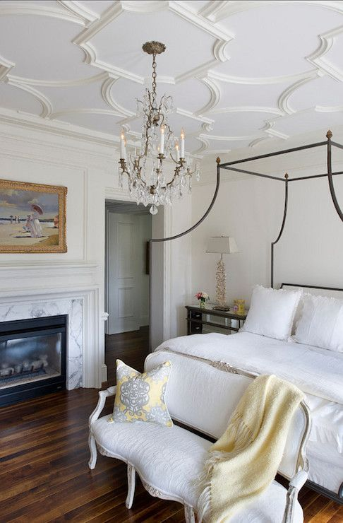 elegant French bedroom; decorative ceiling moldings