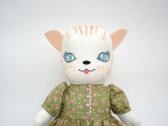 Kitty Doll van LaurieMade op Etsy