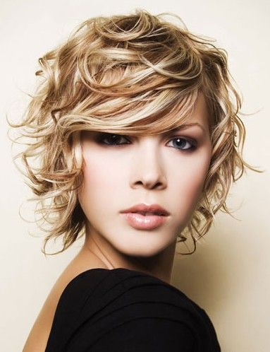 Short curly hair love the color and cut...anyone know someone who can do this let me know...