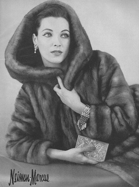 Wildly chic! #coat #vintage #fashion #1950s