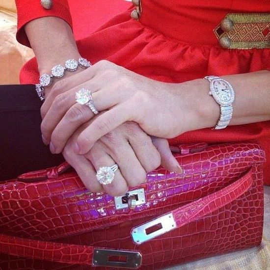 Platinum Bezel Solitaire Engagement Ring (Emerald Center)