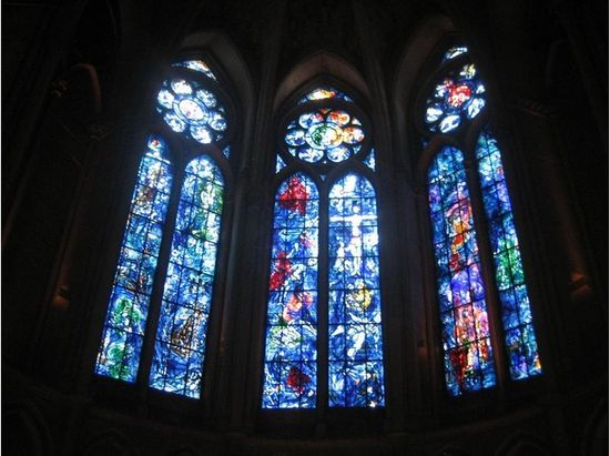 Reims Travel Guide  /  Chagal windows