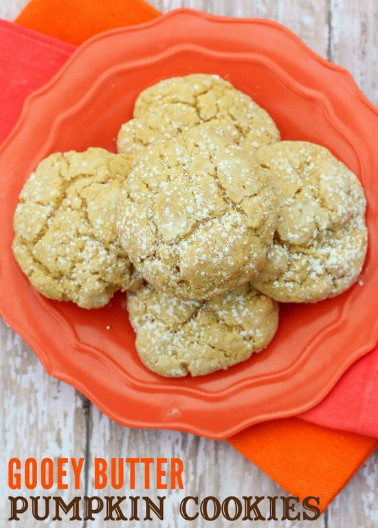 Ooey Gooey Butter Pumpkin Cookies!! They are so soft, easy, yummy and perfect for fall! #pumpkin #cookies