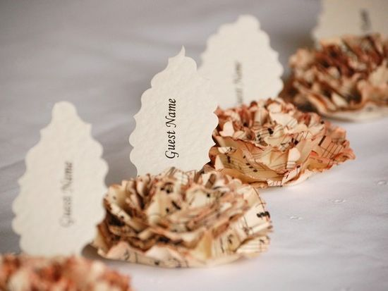 Beautiful handmade musical roses for place seating