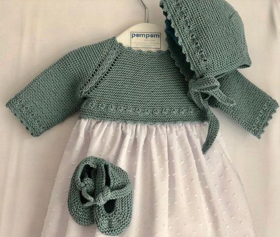 Ella eligió ese color y ese algodón orgánico para su bebé y este fue el resultado. Elige la tela y el algodón o lana y Pompom te lo hace. Encargos por privado y en el 📞 609736385. 📦 Enviamos ✈️ a todo el 🌏