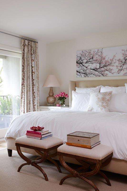 Totally romantic bedroom!