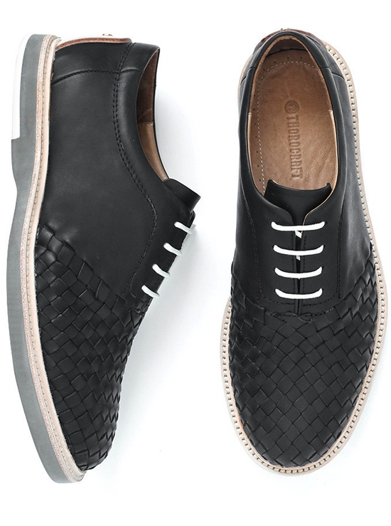 Great shoes by Thorocraft. I really like the texture. #menswear #style #footwear #shoes #texture