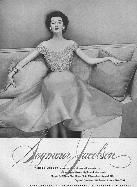 So charming, beautifully elegant. #vintage #fashion #1950s #dress