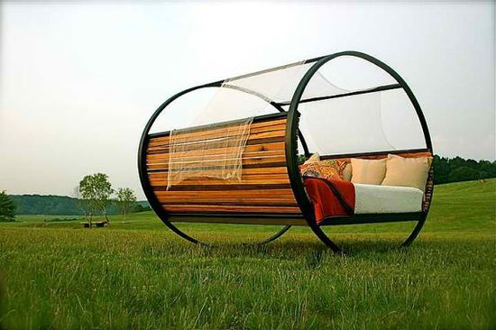 Awesome outdoor bed/lounge that I must have.