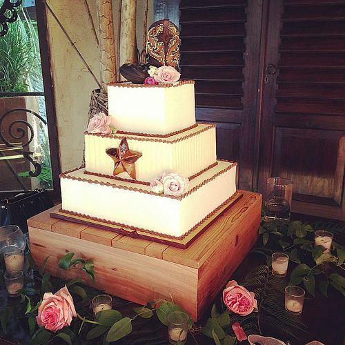 Texas wedding cake