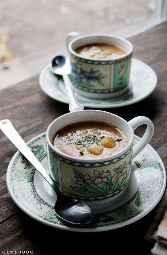 Slow Cooker Leek and Potato Soup @Kat Ellis Petrovska