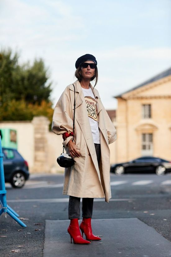 Street style photos and endless inspiration...  Street Style  Board
