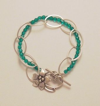 DIY Link Chain and Bead Bracelet #diy #crafts #jewelry