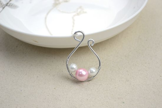 Handmade Jewelry Designs Simple Yet Dignified Pearl Pendant Necklace