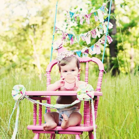 pink high chair for cake smash. must have for her 1st bday