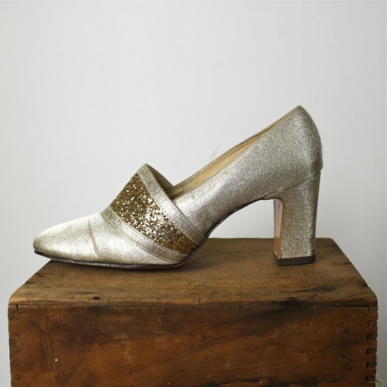 Glitzy Gold 1950s Shoes
