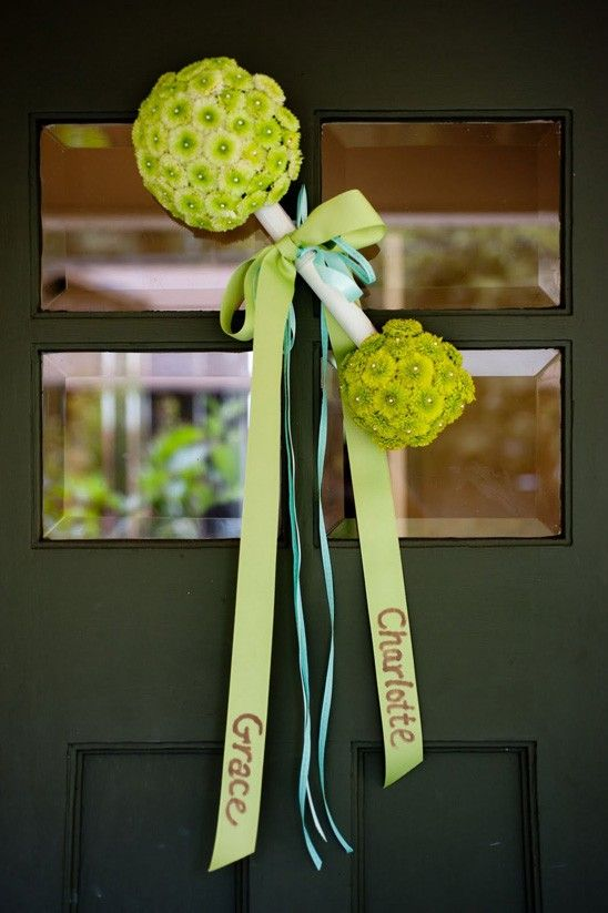 A cute way to greet your guests for a baby shower!