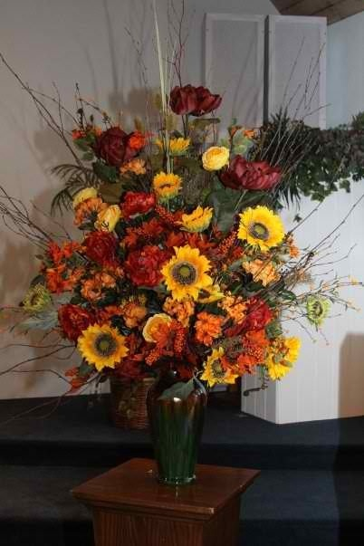 Fall flower arrangement for my wedding