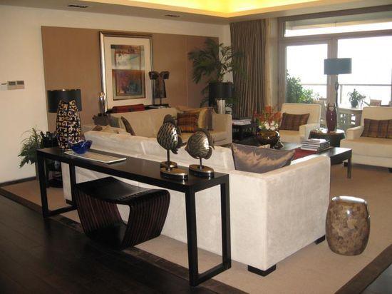 Transitional living room design- A. Peltier Interiors