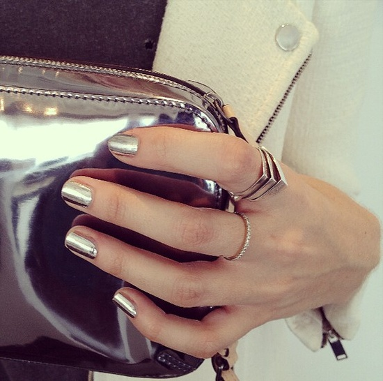 Platinum metallic nails