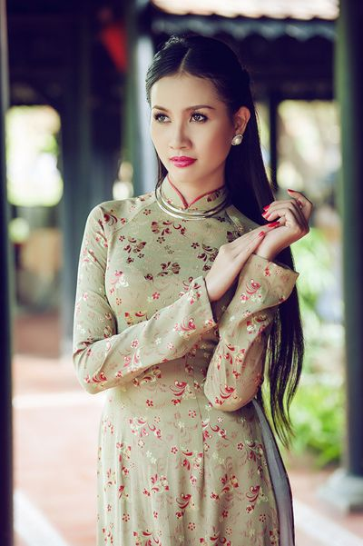 Pretty green ao dai