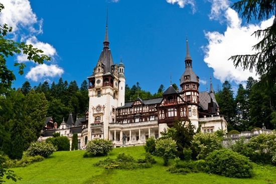 The PELES CASTLE – Amazing architecture surrounded by nature – 10 PHOTOS