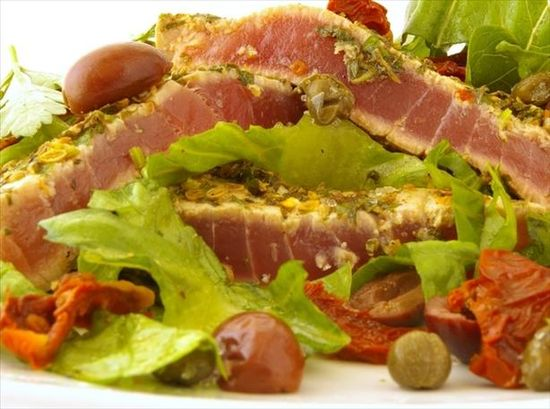 Seared encrusted tuna steaks