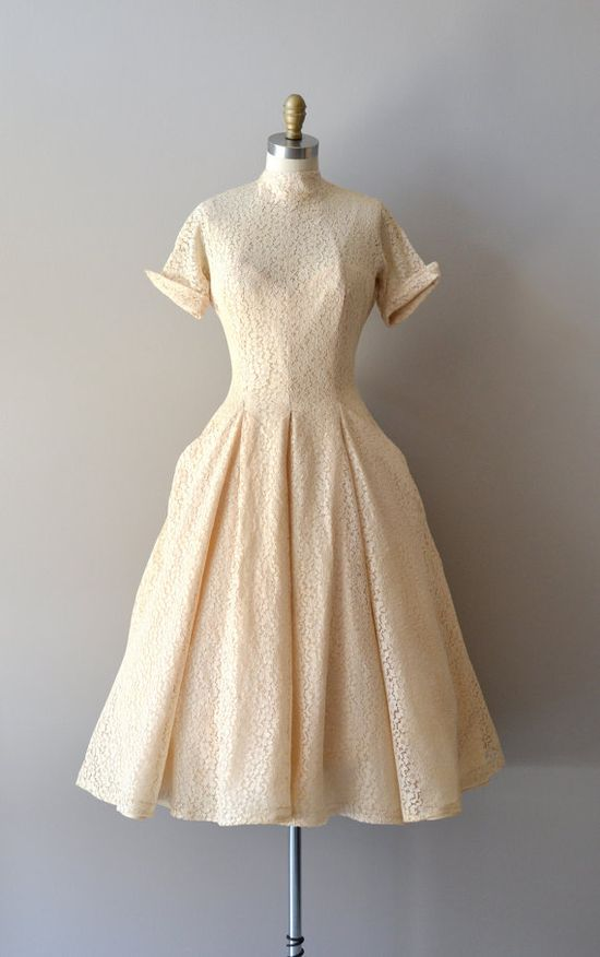 vintage 1950s DeLovely lace dress    #vintagewedding #1950s #vintagedress #lace