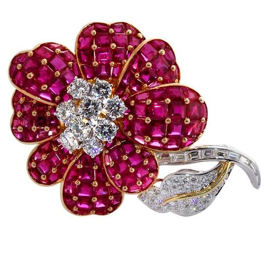 Gorgeous OSCAR HEYMAN diamond and ruby flower brooch