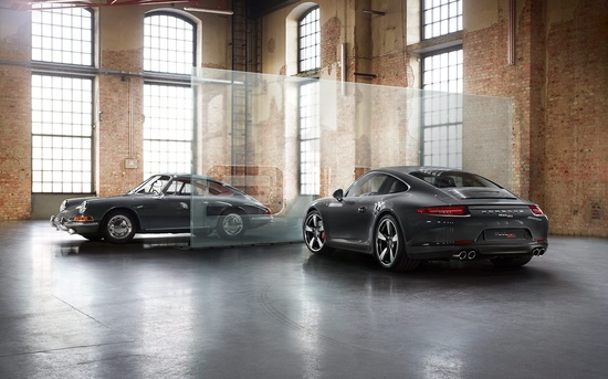 #Porsche #911 50th anniversary edition: The chrome-plated trim between the tail lights is further evidence of its loyalty to the first generation. Learn more: link.porsche.com/... Combined fuel consumption in accordance with EU 5: 9.5-8.7 l/100 km; CO2-emission: 224-205 g/km