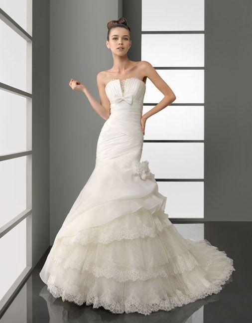 Charming strapless trumpet/mermaid chapel train bridal gowns