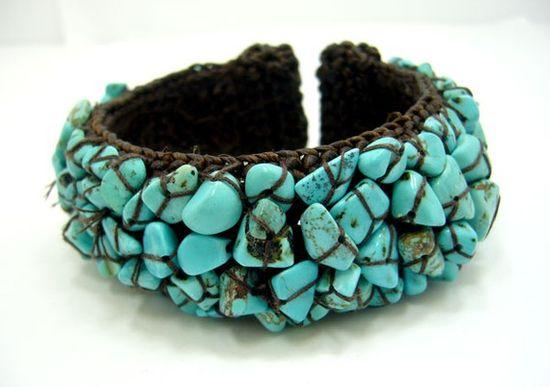 Crochet turquoise bracelet ?
