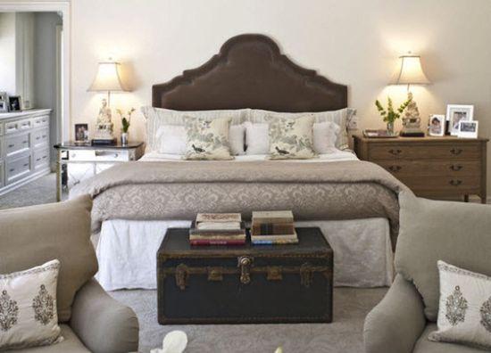 Vintage Trunks & Chests as bedroom decor & storage