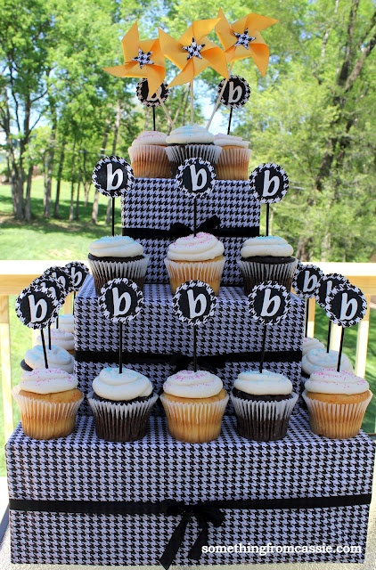 Houndstooth Cupcake Tower how to
