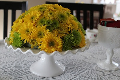 easy DIY cake stand flower arrangement