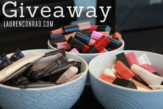 how to win a box of gorgeous makeup products! {click for details}
