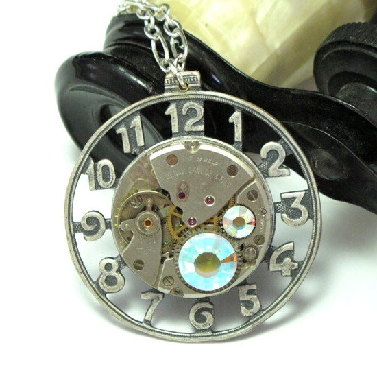 Steampunk clock long necklace by Mystic Pieces #steampunk, #jewelry #mysticpieces #etsy