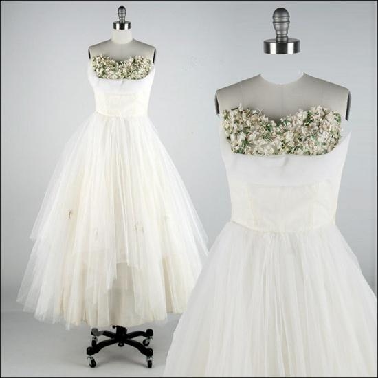 Vintage 1950s Dress . Ivory Tulle . Millinery Flowers . Shelf Bust . Strapless . Full Skirt .
