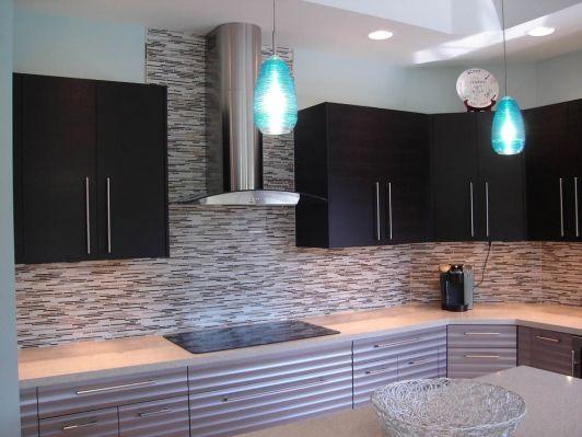 Contemporary kitchen design idea - Home and Garden Design Idea