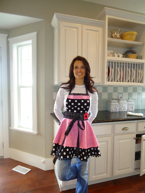 Womens Retro Full Apron - 4RetroSisters Annabelle Style -  Bubble Gum Pink - Retro Modern. $37.50, via Etsy.