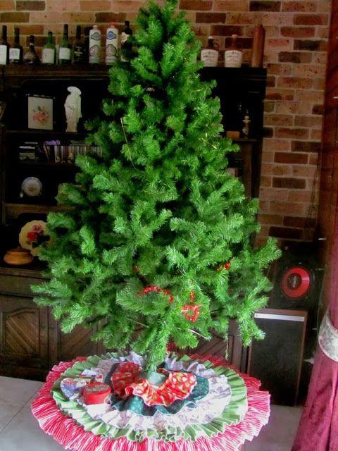 Inkspirational Designs: Ruffled Christmas Tree Skirt Tutorial