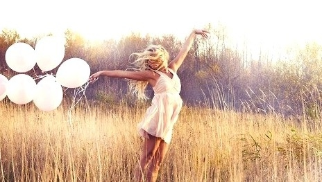 who doesn't wander golden fields with white balloons? So pretty.