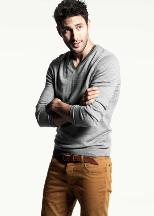 Loving the colored pants and gray. Model: Noah Mills with fashion from H and M -  www.hm.com/us/