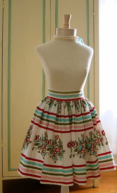 Vintage apron... Love the fabric!!!