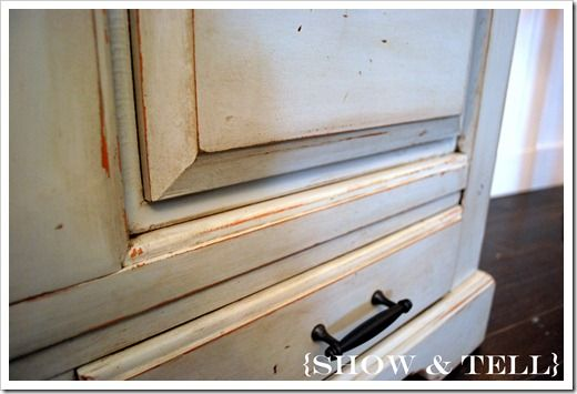how to glaze furniture The tutorial is here:  showandtell-saush...