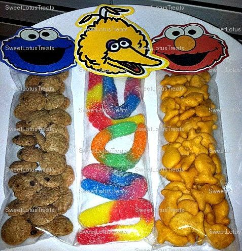 Awesome little party favor ideas for a Sesame Street Themed Party!
